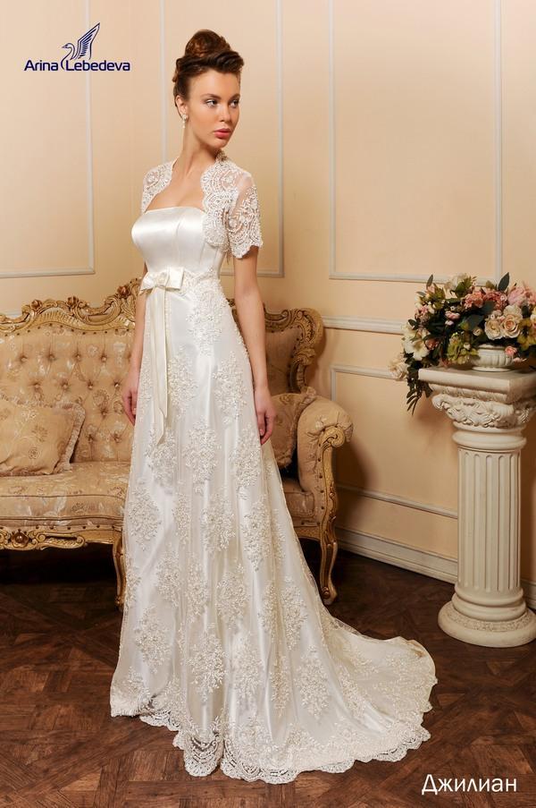 Изобр по > Свадебное Платье с Короткими Рукавами
